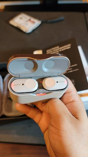 Sony WF-1000XM3 earbuds for Sale in Torrance, CA