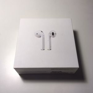 Mint Condition Apple AirPods for Sale in Tuscaloosa, AL