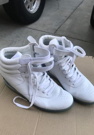 Alicia Keys Wedge Reebok Sneakers .. White with Blue for Sale in Vallejo, CA