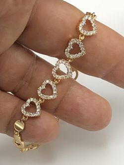 Cubic zirconia stones womens classy bracelet best quality 14kgold filled color won't fade away guarantee!!!fast Shipping ✈️🎁🚚payment through OfferUp for Sale in Washington,  DC