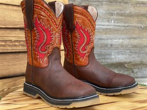 MENS WORK BOOTS for Sale in San Antonio, TX