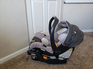 Chicco Keyfit 30 car seat with base for Sale in Columbus, OH