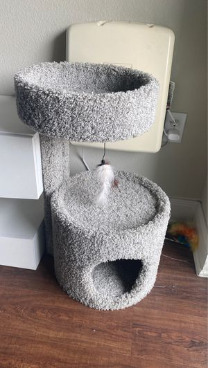 Cat tree for Sale in Houston, TX