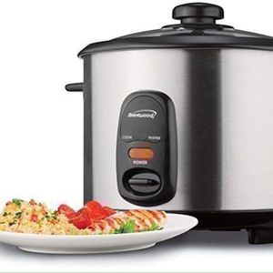 Brentwood 1.5 Liters Rice Cooker 8 Cups Stainless Steel 500 Watts Arrocera 8 tazas TS-15 for Sale in Hialeah, FL