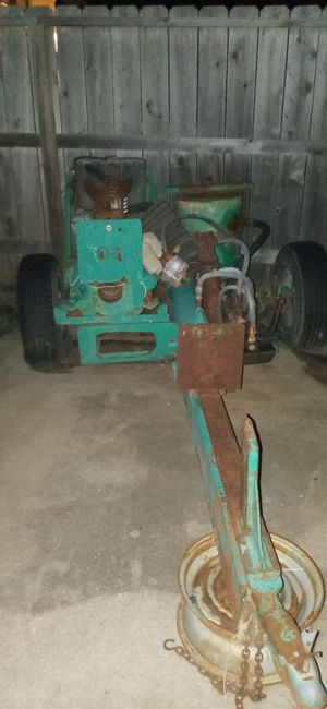 Log splitter Carma riding tractor , for Sale in Wichita, KS