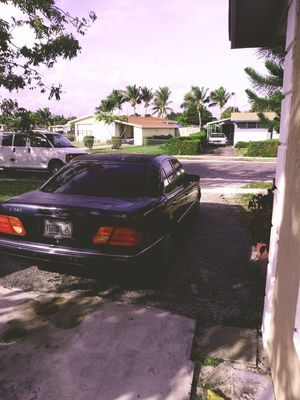 1998 E320 Mercedes Benz for Sale in West Palm Beach, FL