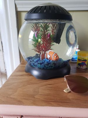 like new fish tank for Sale in Sayre, PA