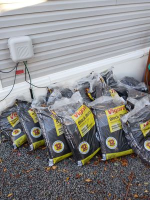21 new bags black mulch for Sale in Evergreen, CO