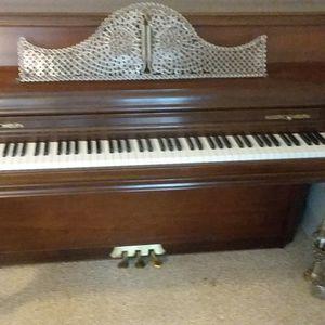 Upright Piano for Sale in Fayetteville, GA