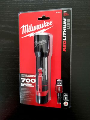 Milwaukee Flashlight 700 Lumens for Sale in Hemet, CA
