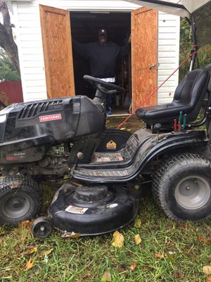 "Craftsman Lawn Tractor 21 HP, Variation speed 46"" Deck for Sale in Fort Washington, MD"