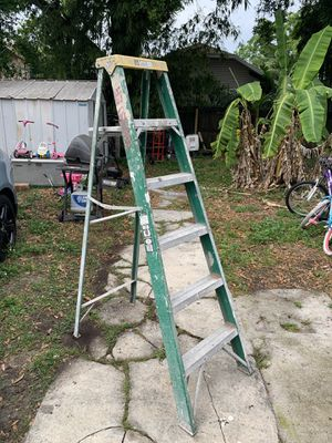 David 6ft step ladder for Sale in Tampa, FL