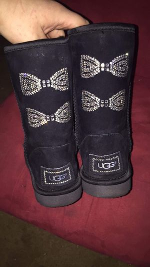 Woman's uggs size 5 for Sale in Columbus, OH