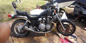 85 Yamaha Maxim 700cc for Sale in Northwest Plaza, MO