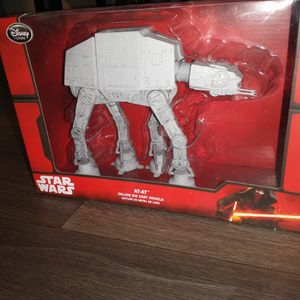 AT-AT STAR WARS DELUXE DIE CAST VEHICLE ACTION FIGURE COLLECTION !!! ASKING ONLY FOR $25.00 for Sale in Phoenix, AZ