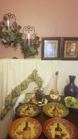 Wine theme Dining room/kitchen decor for Sale in Pittsburgh,  PA