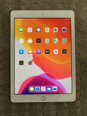 iPad 6th Gen 128gb for Sale in Hesperia, CA