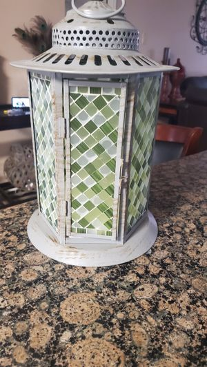 Bran new lantern mosaic glass and metal for Sale in Humble, TX