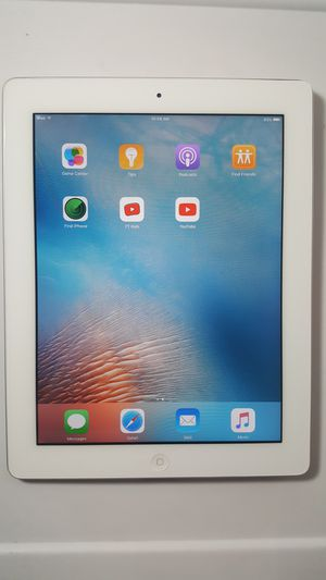 Apple iPad 2, 2nd Generation, 16GB - Wi-Fi, 9.7-inch iOS 9 Tablet for Sale in New York, NY