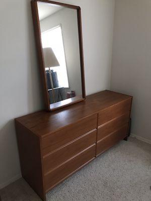 Dresser / Chest of Drawers w/ Full Length Mirror for Sale in Manassas, VA