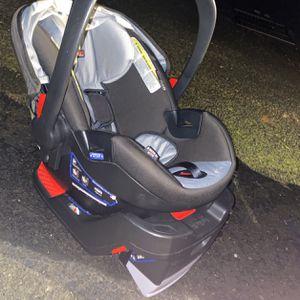 Car seat Infant Carrier for Sale in Gresham, OR