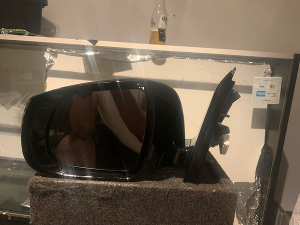 Infiniti QX60 side mirror