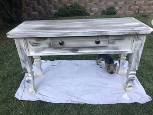 Entry table for Sale in San Marcos, CA
