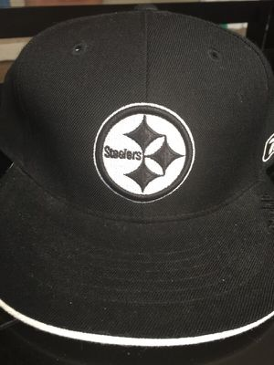 Men's Reebok Pittsburgh Steelers NFL fitted cap/hat black white size 8 for Sale in Pittsburgh, PA
