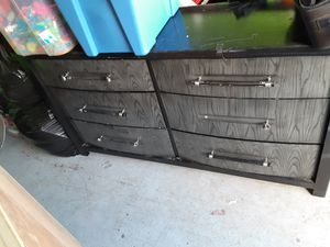 Dresser and night stands for Sale in Puyallup, WA