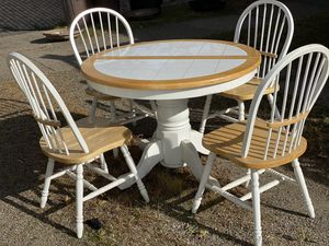 Kitchen table and chairs for Sale in Pittsburgh, PA