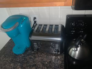 Keurig, 4 toast toaster, kettle for sale for Sale in Philadelphia, PA