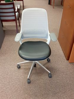 Steelcase series 1 Office chair for Sale in Tigard,  OR