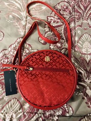 New Tommy Hilfiger red crossbody bag for Sale in Poinciana, FL