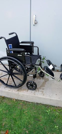 """Ultralight weight..wheelchair 18"""" for Sale in Santa Ana,  CA"""