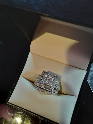 Zales 5ct 14kwg princess cut diamond ring for Sale for sale  New York, NY