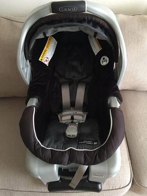 Graco snug ride click connect car seat with base for Sale in Melbourne, FL