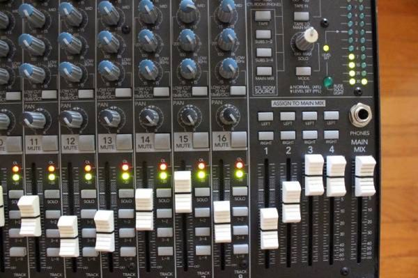 Mackie 1604 VLZ PRO Live Studio Mixer Professional Mic/Line - In Good Condition!