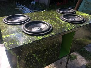4 soundqubed subs and custom box for Sale in Lugoff, SC