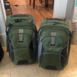 Two Carry On Suitcase/removable Backpack Combo for Sale in Rancho Cucamonga,  CA