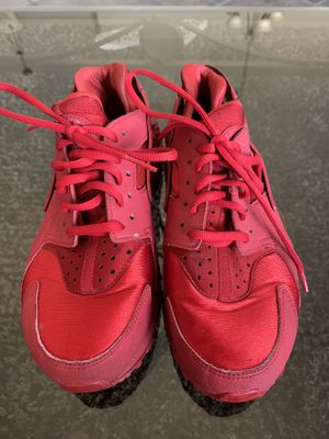 Red air Huarche by Nike size 7.5 for Sale in North Las Vegas, NV