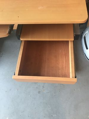 Computer table for Sale in Spring Valley, CA