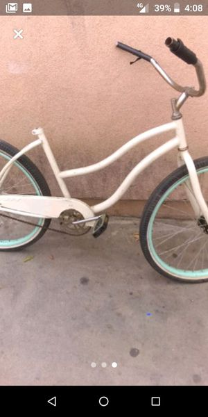 Bicycle Huffy for Sale in Los Angeles, CA