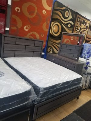 Queen bed frame with dresser and mirror for Sale in Chicago, IL