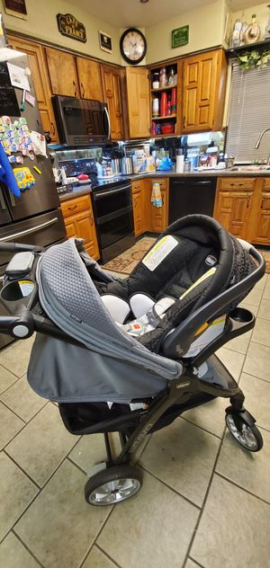 Chico Infant Car Seat/Stroller Travel System for Sale in Grand Prairie, TX