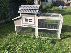 Chicken coop, nesting pads, and organic chicken feed for Sale in Tacoma, WA