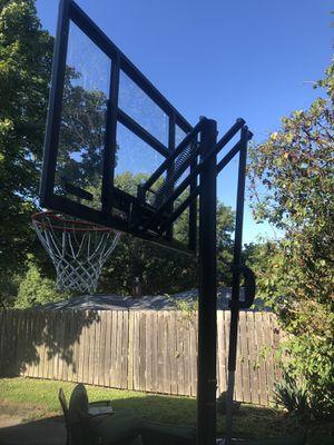 Adjustable basketball hoop for Sale in McKees Rocks, PA