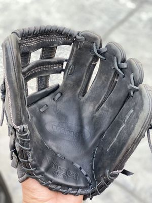 Vinci baseball/softball infielders glove for Sale in Ontario, CA