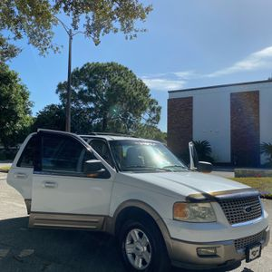 2003 Ford expedition Eddie Bauer XLT for Sale in St. Petersburg, FL