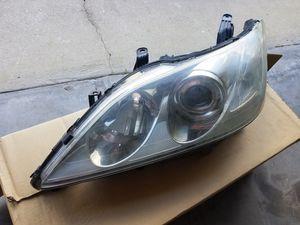 Lexus ES350 headlight for Sale in Orlando, FL