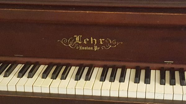 Working piano. All keys tuned and work.
